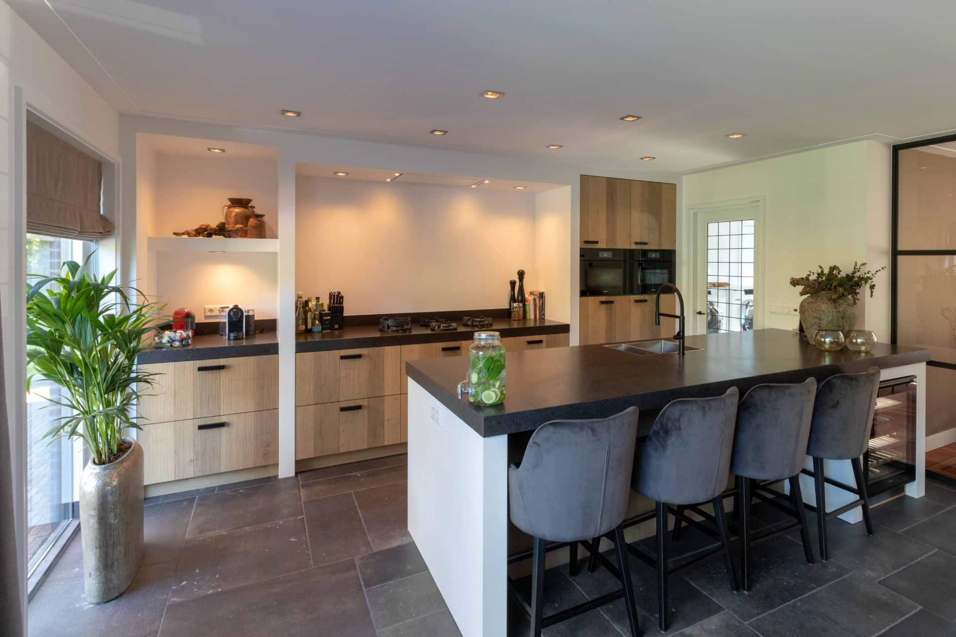 Houten keuken met Miele apparatuur | Blaricum