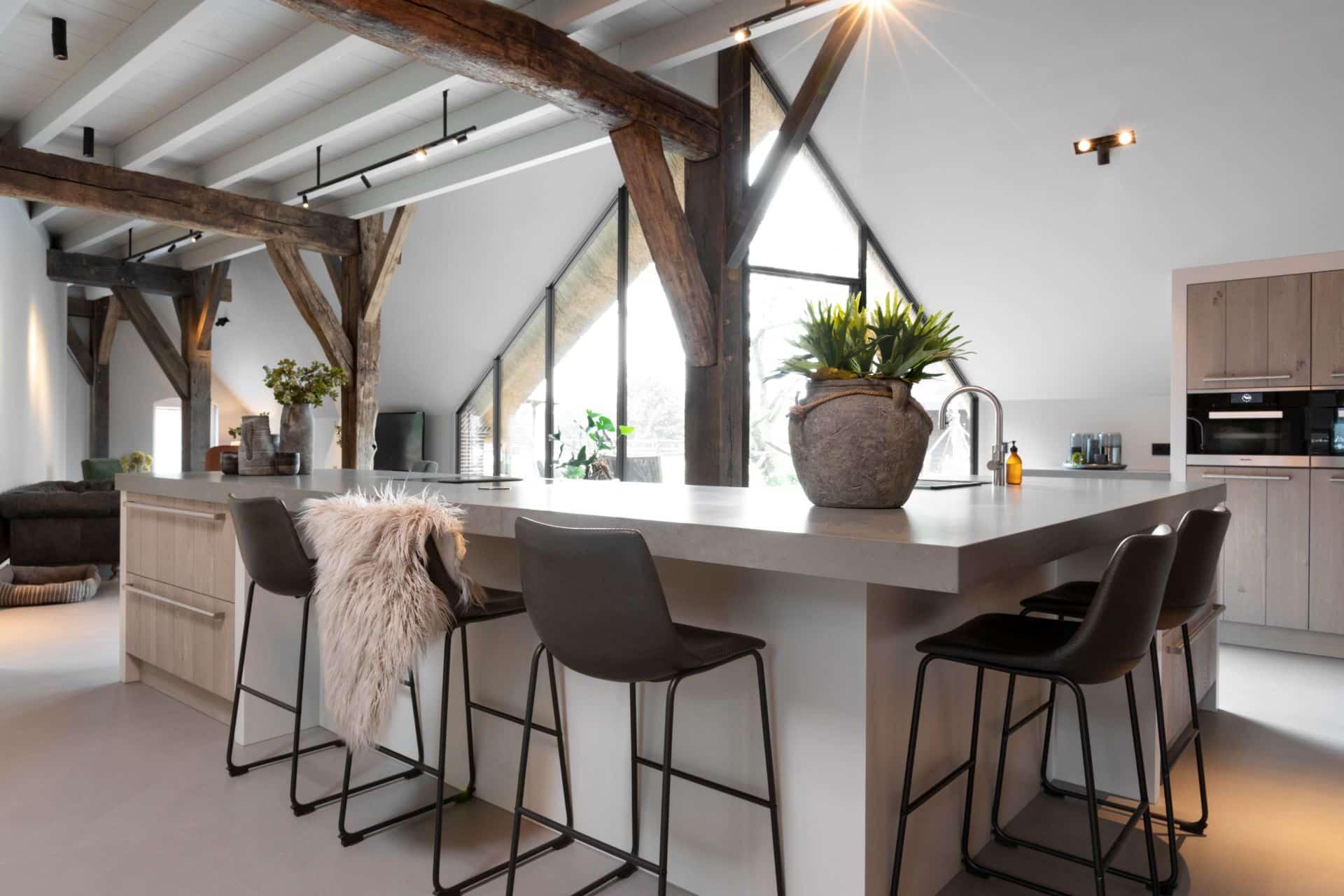 Landelijke keuken met houten afwerking | Hoevelaken