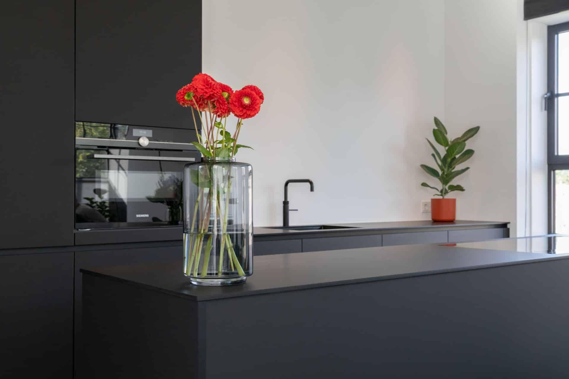 Minimalistische zwarte design keuken 2