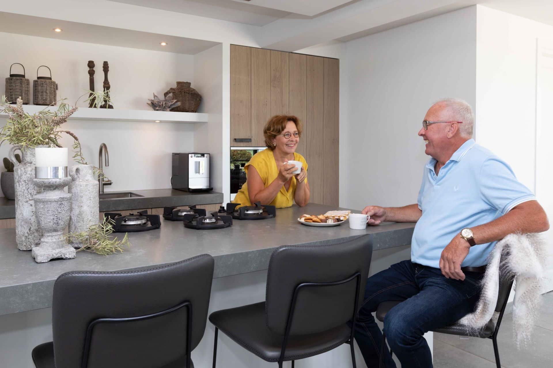 Moderne keuken met landelijke features | Bunschoten