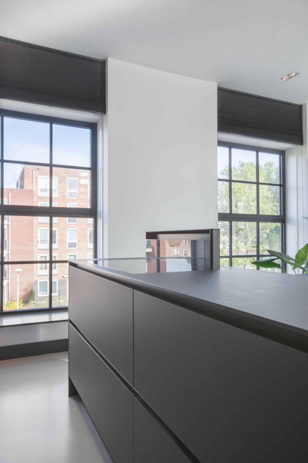 Zwarte fenix design keuken 47