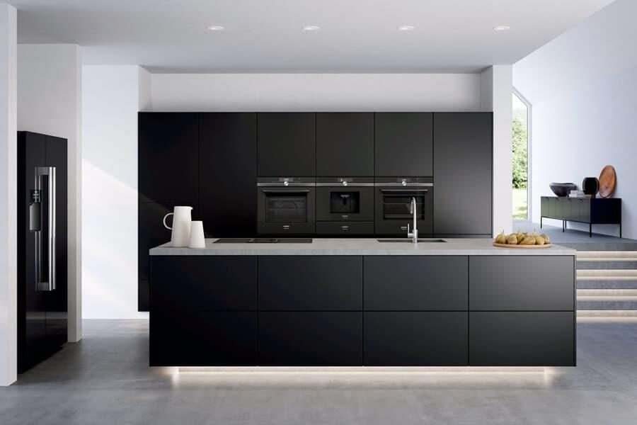 Zwarte design keuken siemens