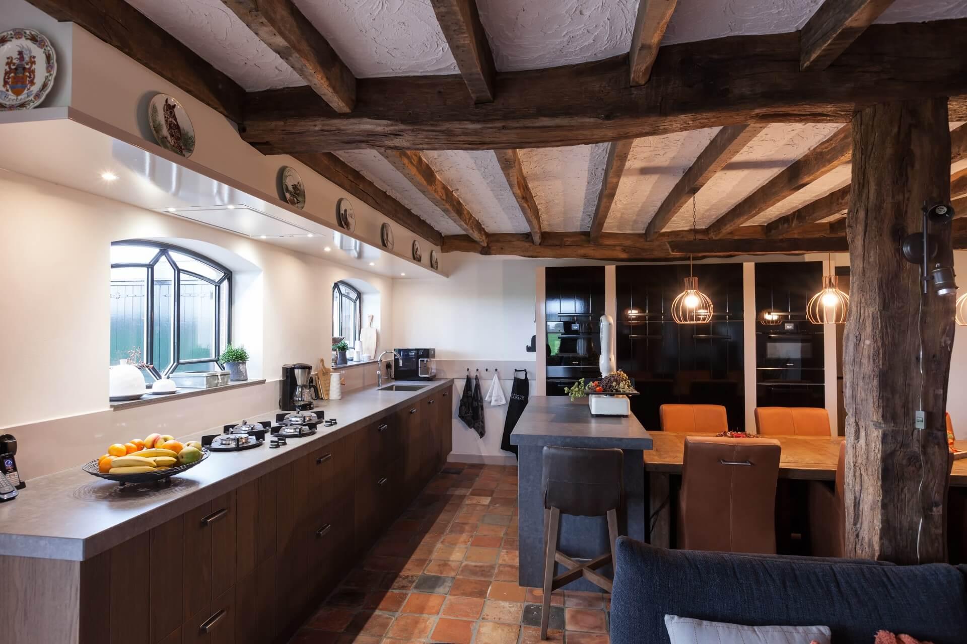 Houten landelijke keuken 24