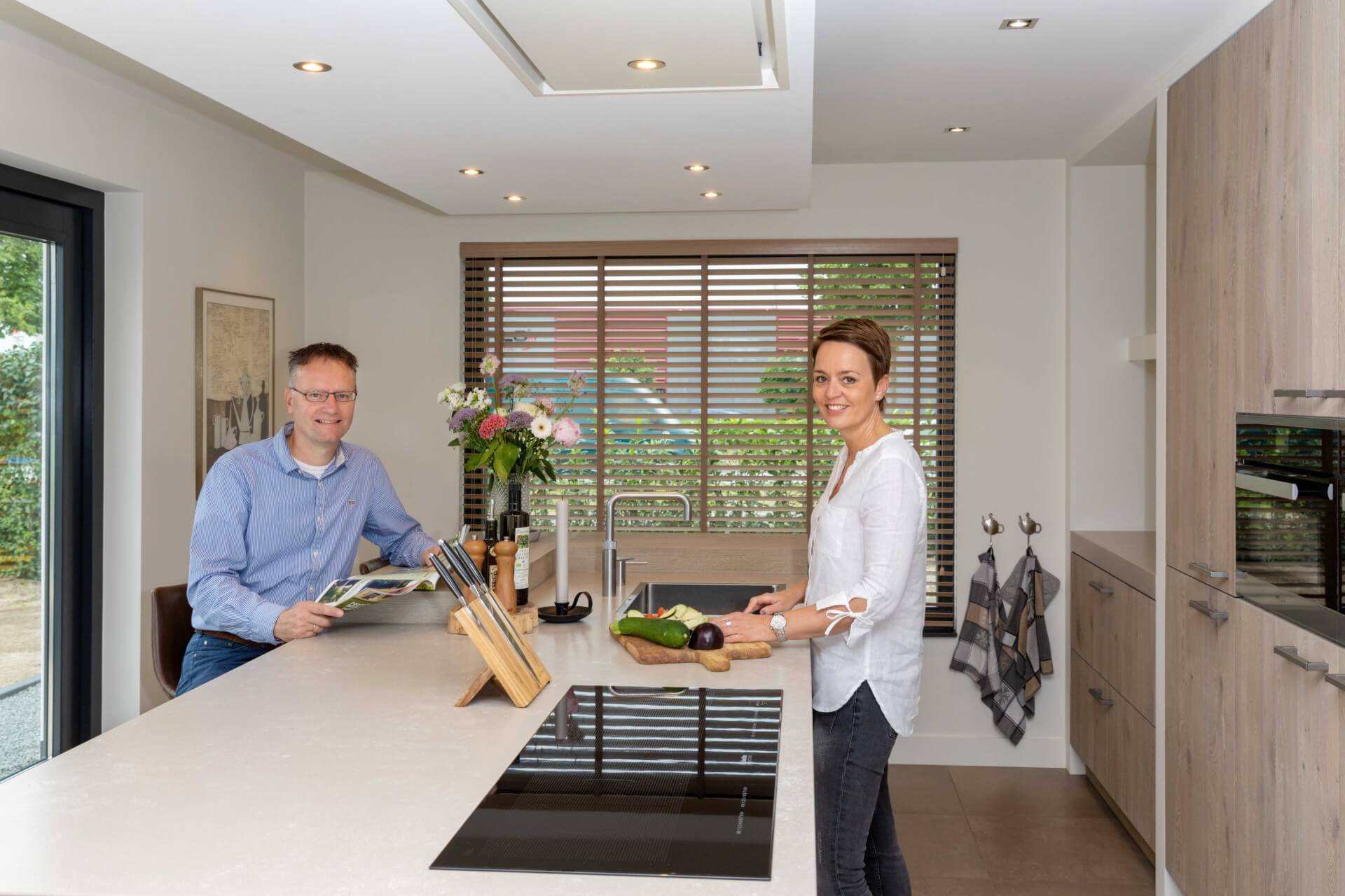 Moderne greeploze witte keuken 006