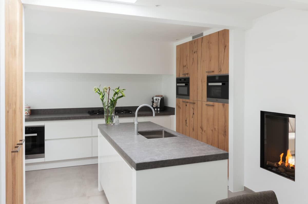 Greeploze witte hoogglans keuken