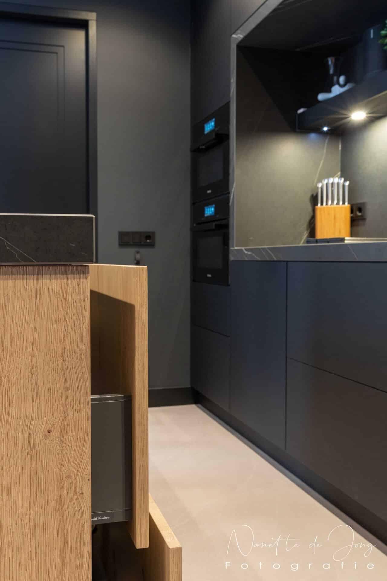 Moderne zwarte fenix keuken 003