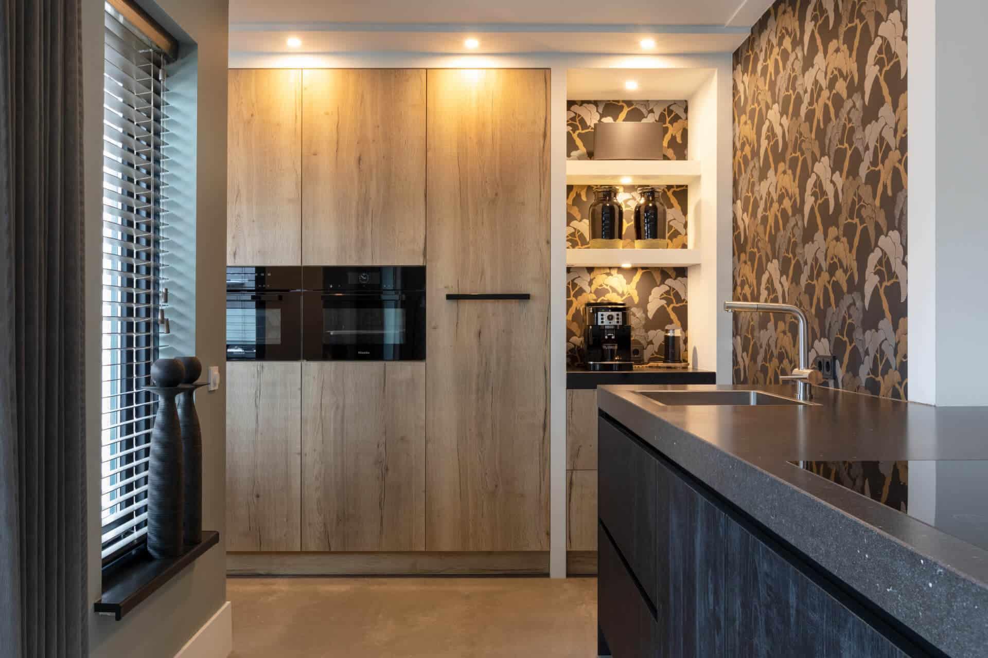Kunststof keuken met unieke houtstructuur | Barneveld