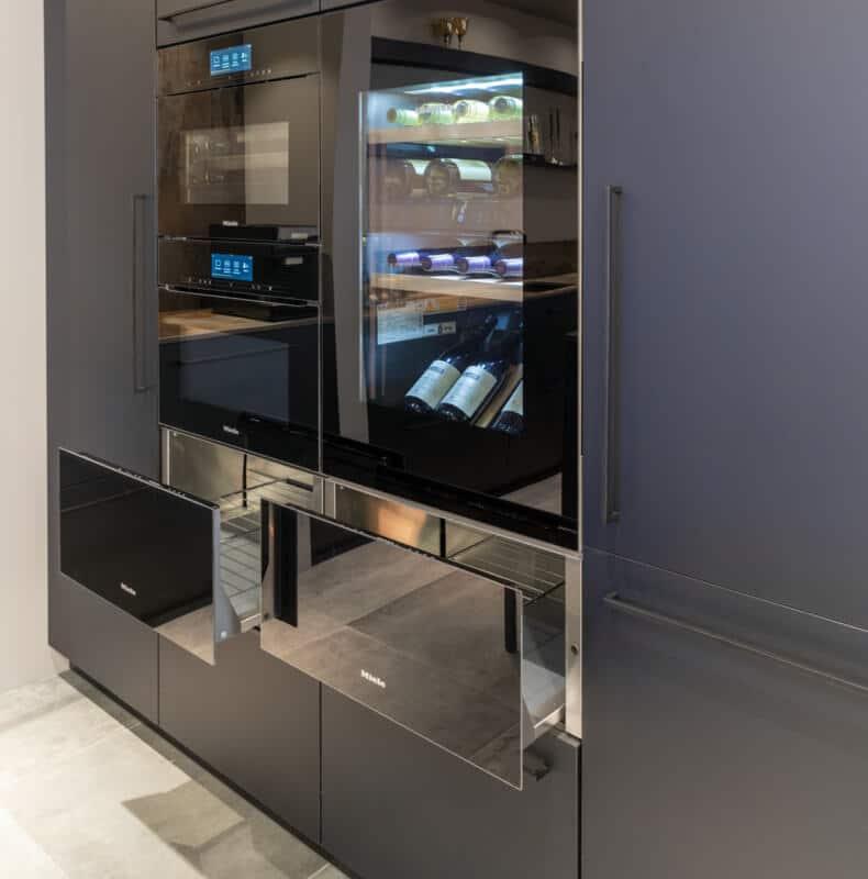 Moderne zwarte fenix keukens 5