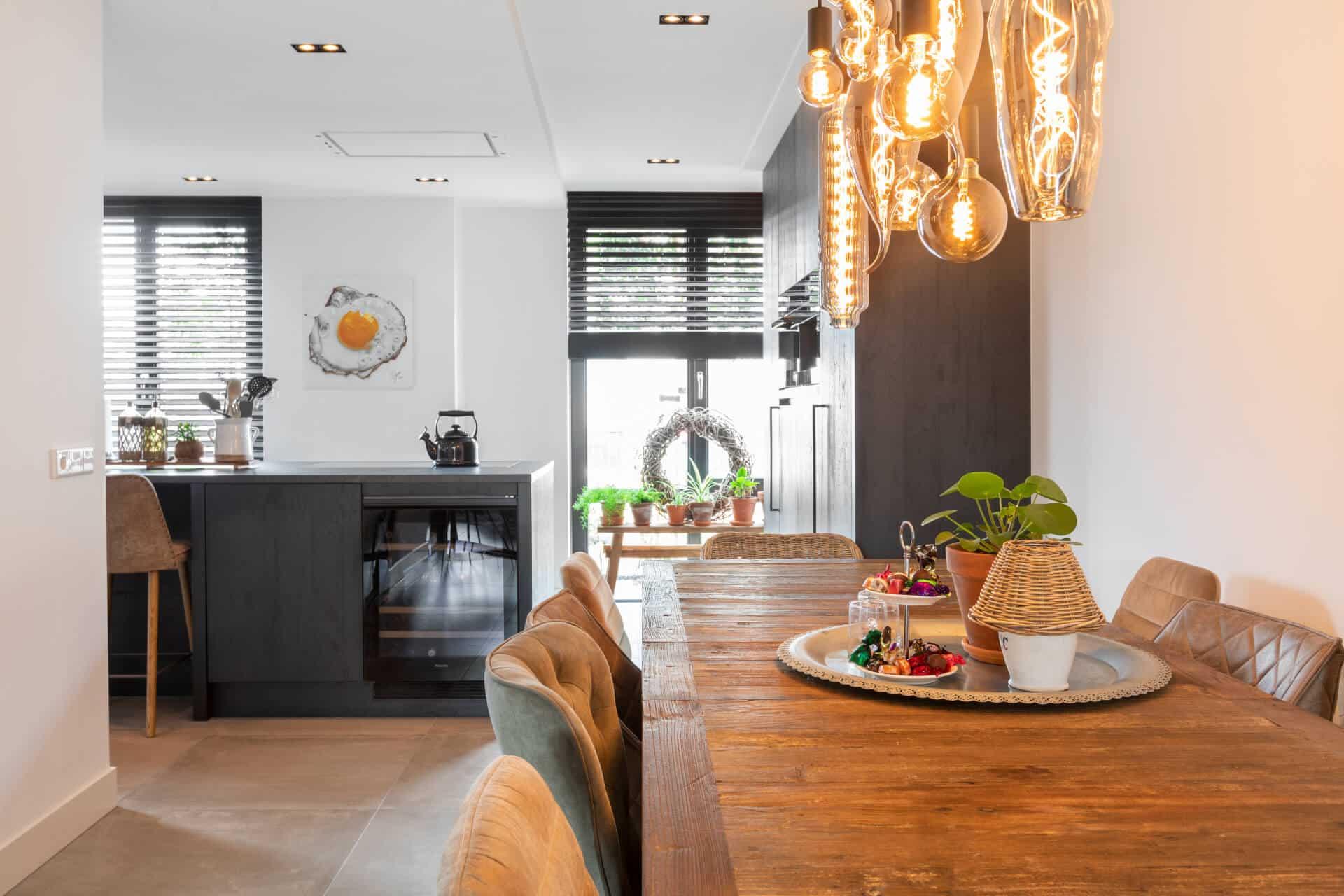 Zwarte moderne keuken miele apparatuur 4