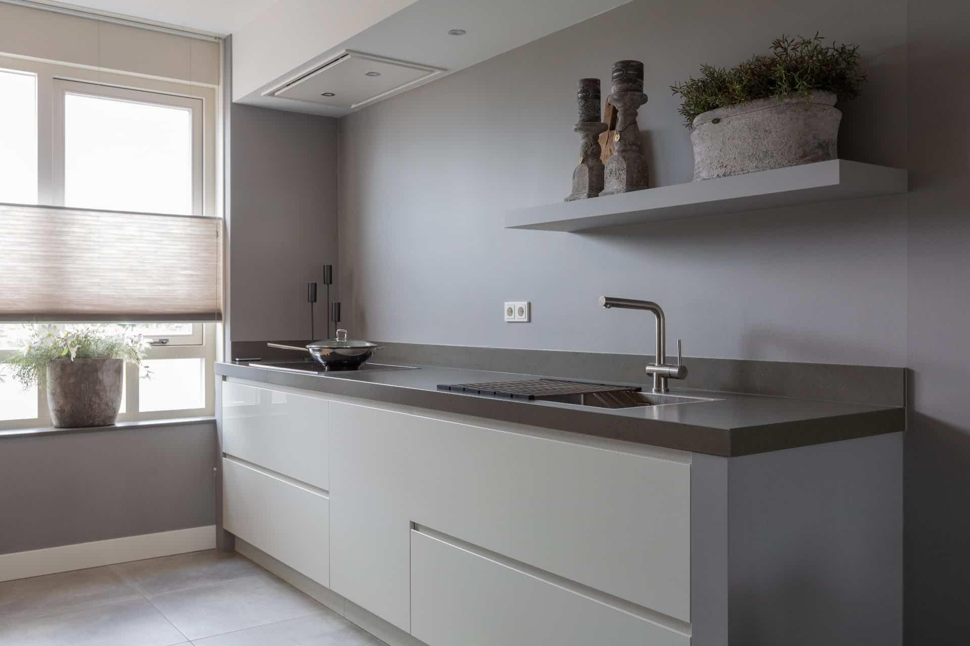 Greeploze keuken in parallel opstelling | Barneveld