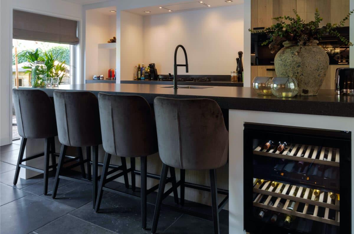 keuken met bar inspiratie van ginkel keukens barneveld slider 2